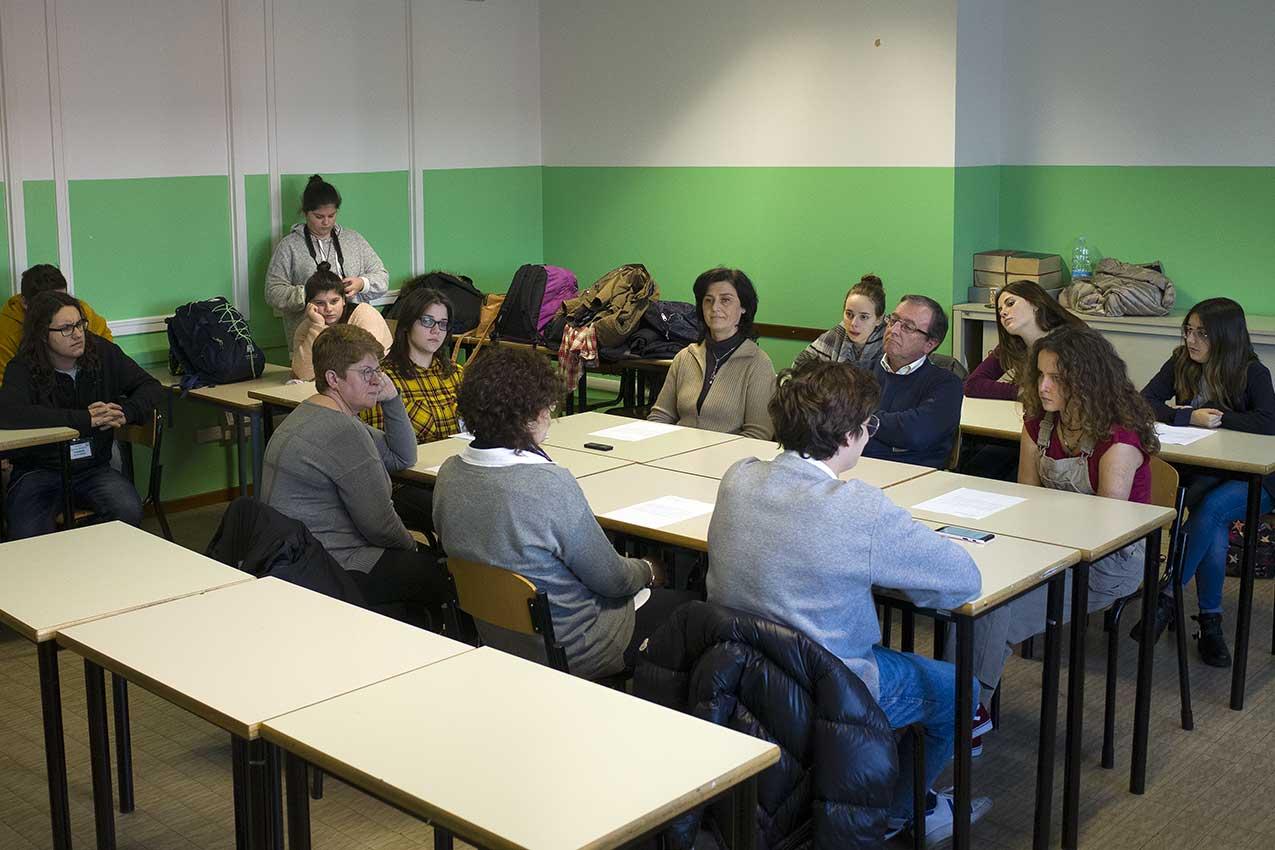 Forum dress-code Liceo Medi